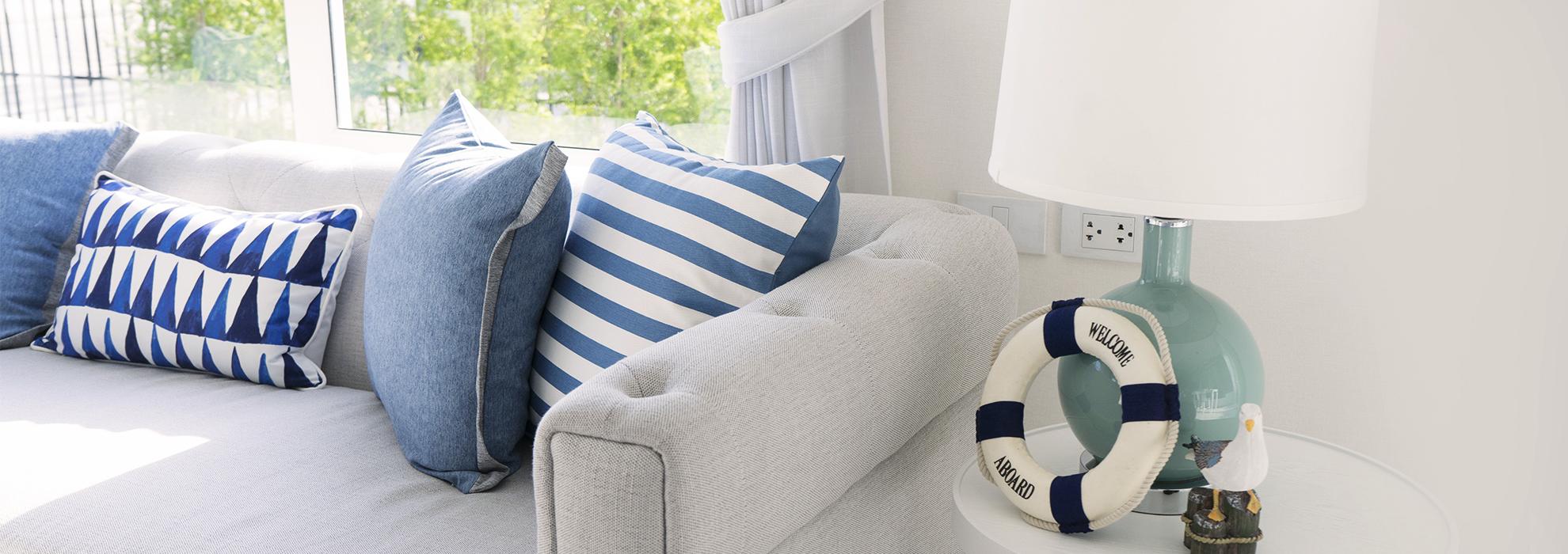 Arredare casa al mare bianco e blu sono i colori di for Arredare casa blog
